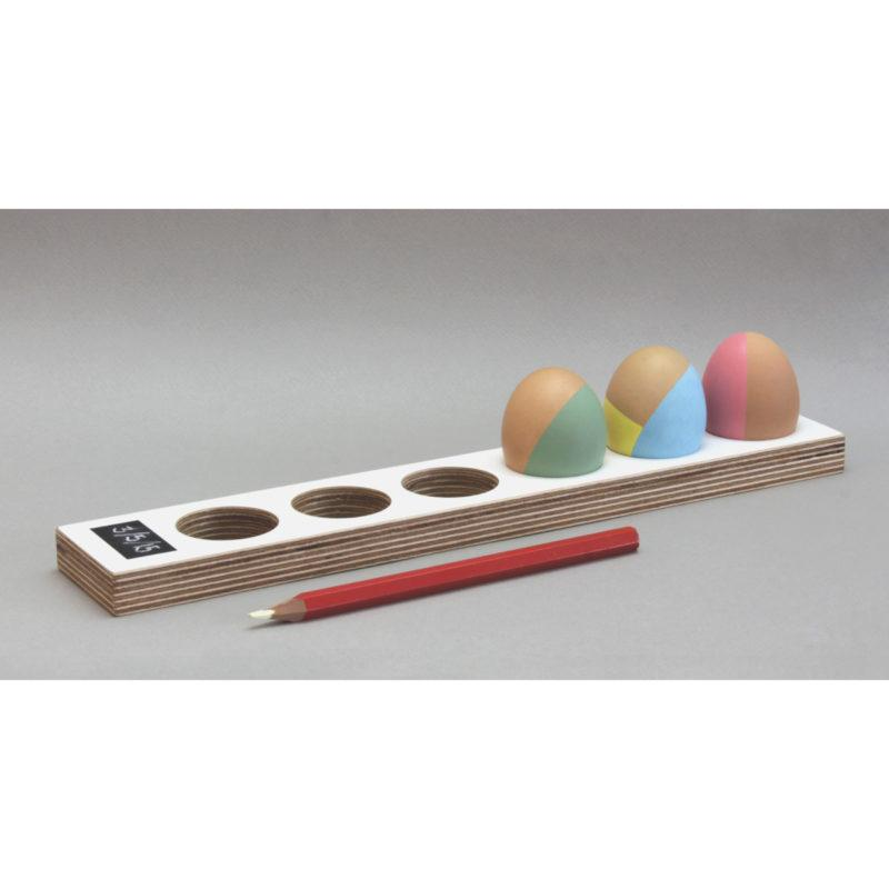 Long White Birch Plywood Egg Tray with Blackboard Date Pad