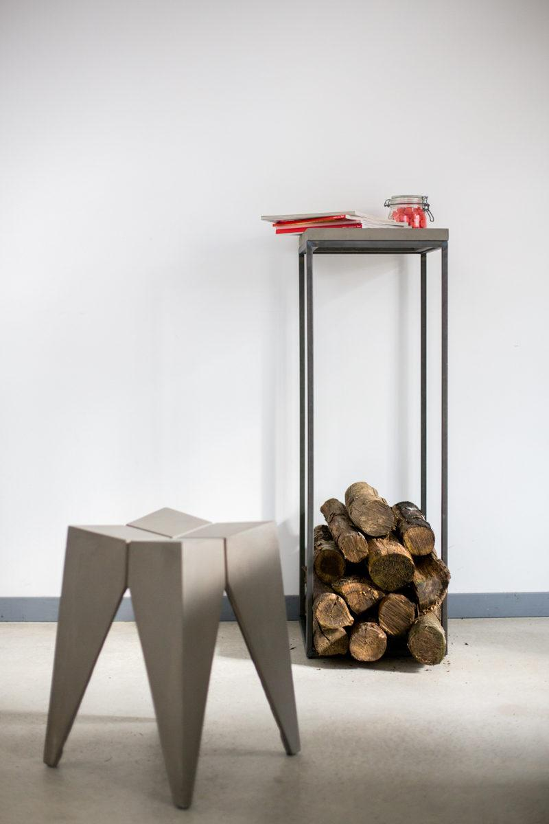 Concrete Perspective Stand
