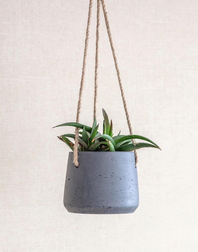 Small Stratton Hanging Planter - Carbon
